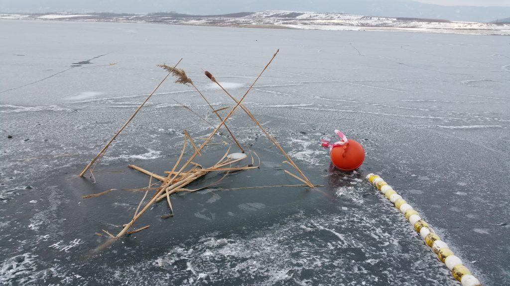 ice freediving - potápění pod ledem