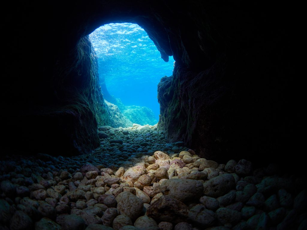 Mala Medjedina Lastovo Diving Freediving underwater cave